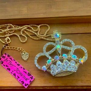 🌺 4 for $45 🌺 Betsey Johnson Crown Necklace